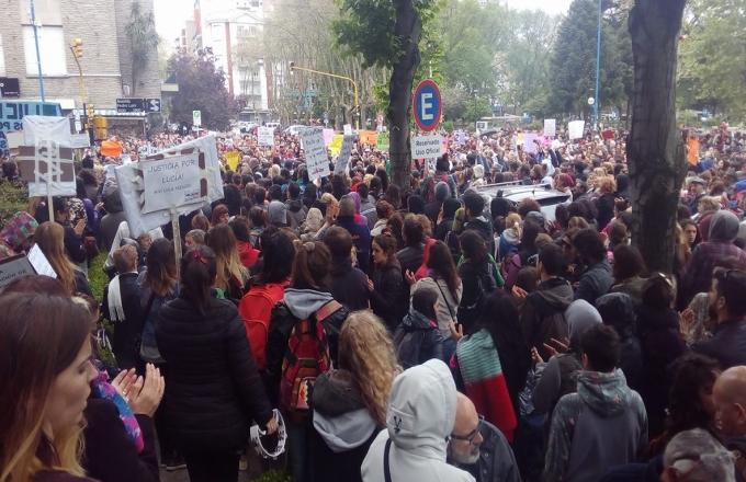 Miles de marplatenses exigieron justicia por Lucía