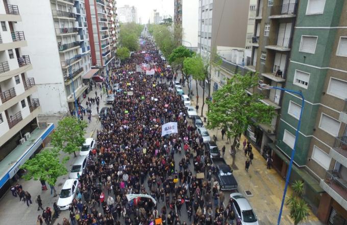 Miércoles Negro: Histórica marcha en Mar del Plata por #NiUnaMenos